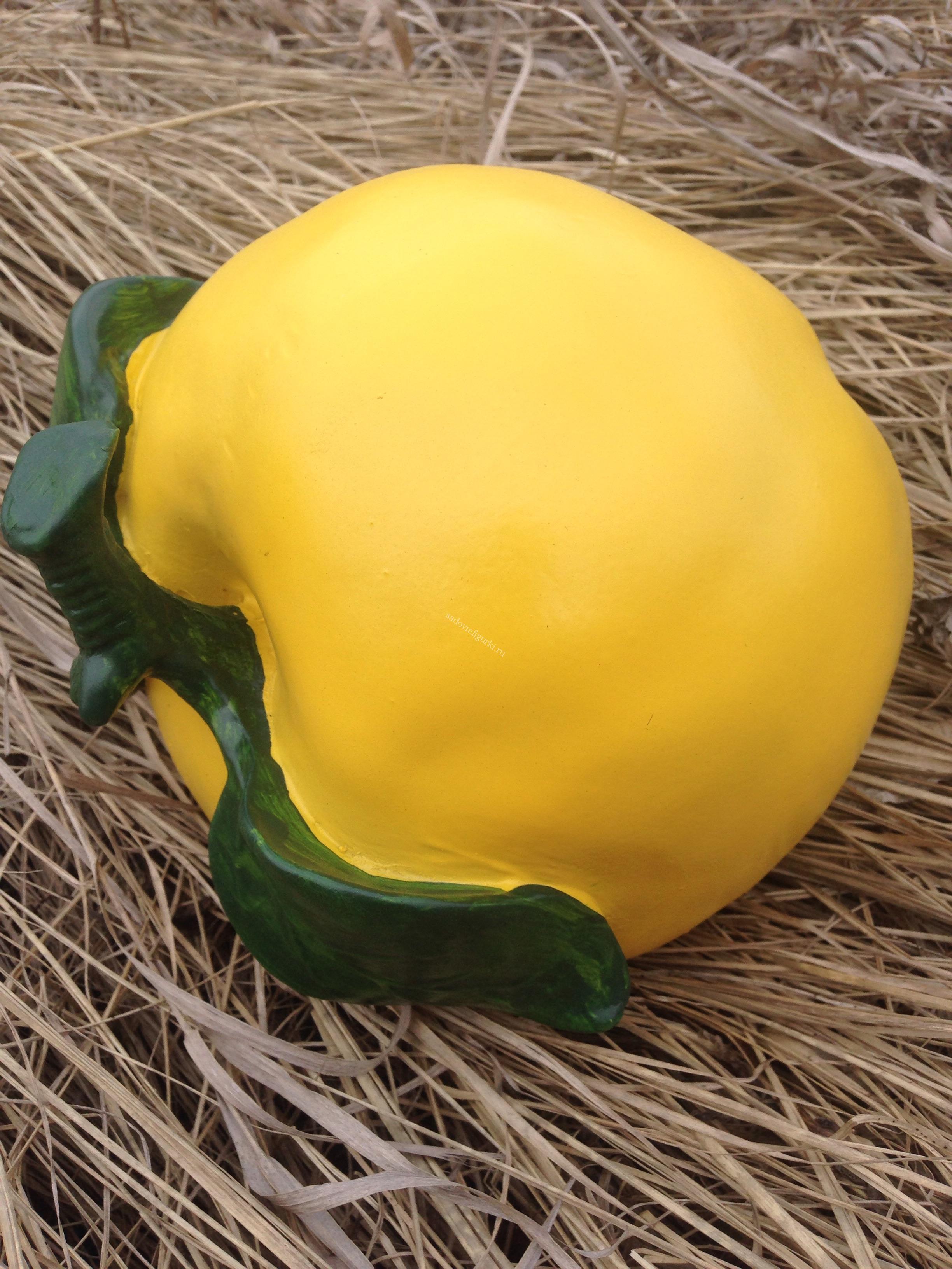 Яблоко желтое